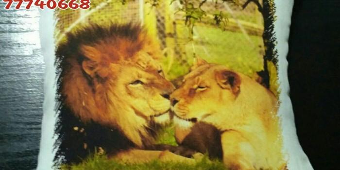 Подушка Львы